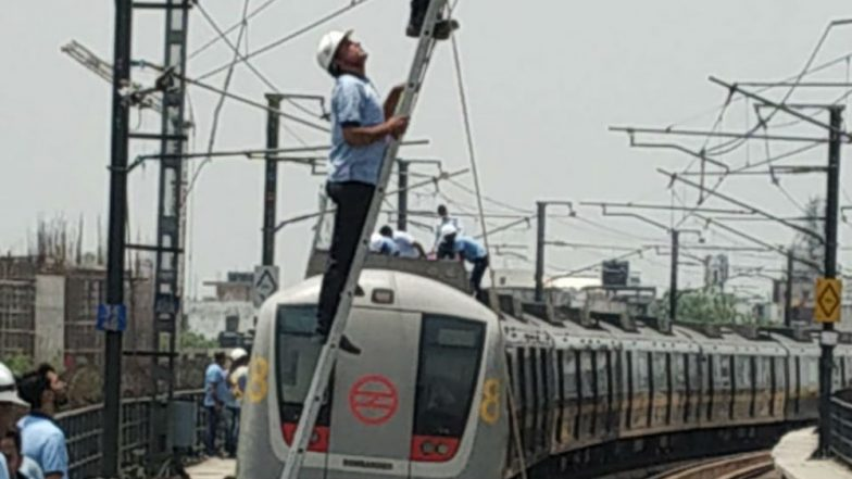 Delhi Metro Services Affected On Yellow Line Due To Technical Snag on Gurgaon Route, Commuters Stranded