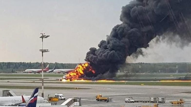 Sukhoi Passenger Plane on Fire in Russia Makes Emergency Landing in Moscow Due to Blaze on Board