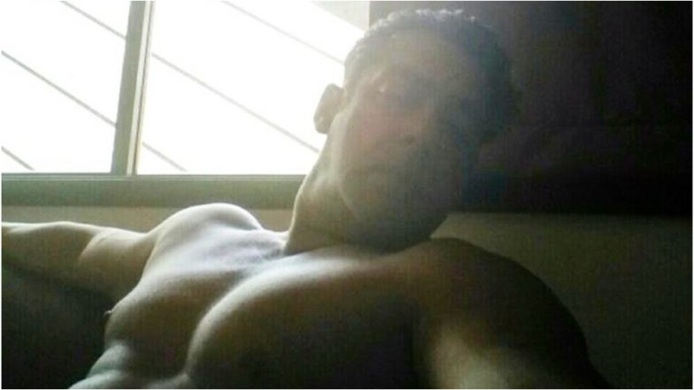 Salman Khan Watches News Shirtless As Lok Sabha Election Results 2019 Grip the Nation, Why? Because Why Not?