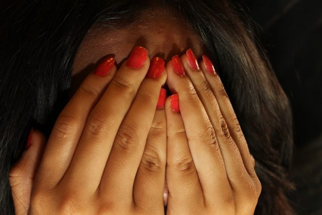 Boyfriend Advertises His Girlfriend on Craigslist Inviting Strangers to Rape Her! Girl Finds Out While Looking for Proposal Hints
