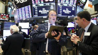 US Stocks Close Lower as Trade Tensions Simmer