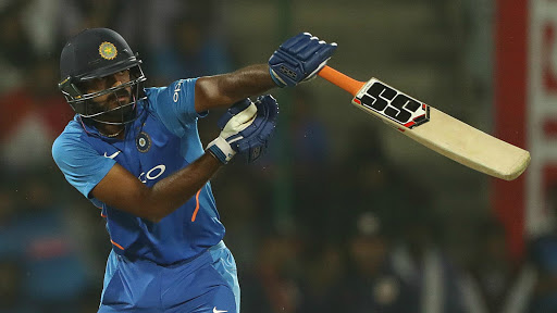 Vijay Shankar Faces Wrath of Angry Indian Fans After Being Dismissed Cheaply Against West Indies; Twitterati Wants Dinesh Karthik or Rishabh Pant in His Place