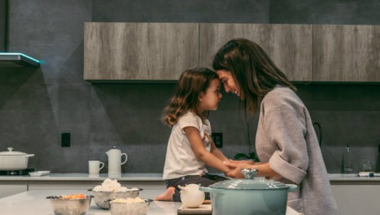 Happy Mother's Day 2019: Not Just Expensive Gifts, Here Are Other Special Ways to Bring a Big Smile on Your Mom's Face!