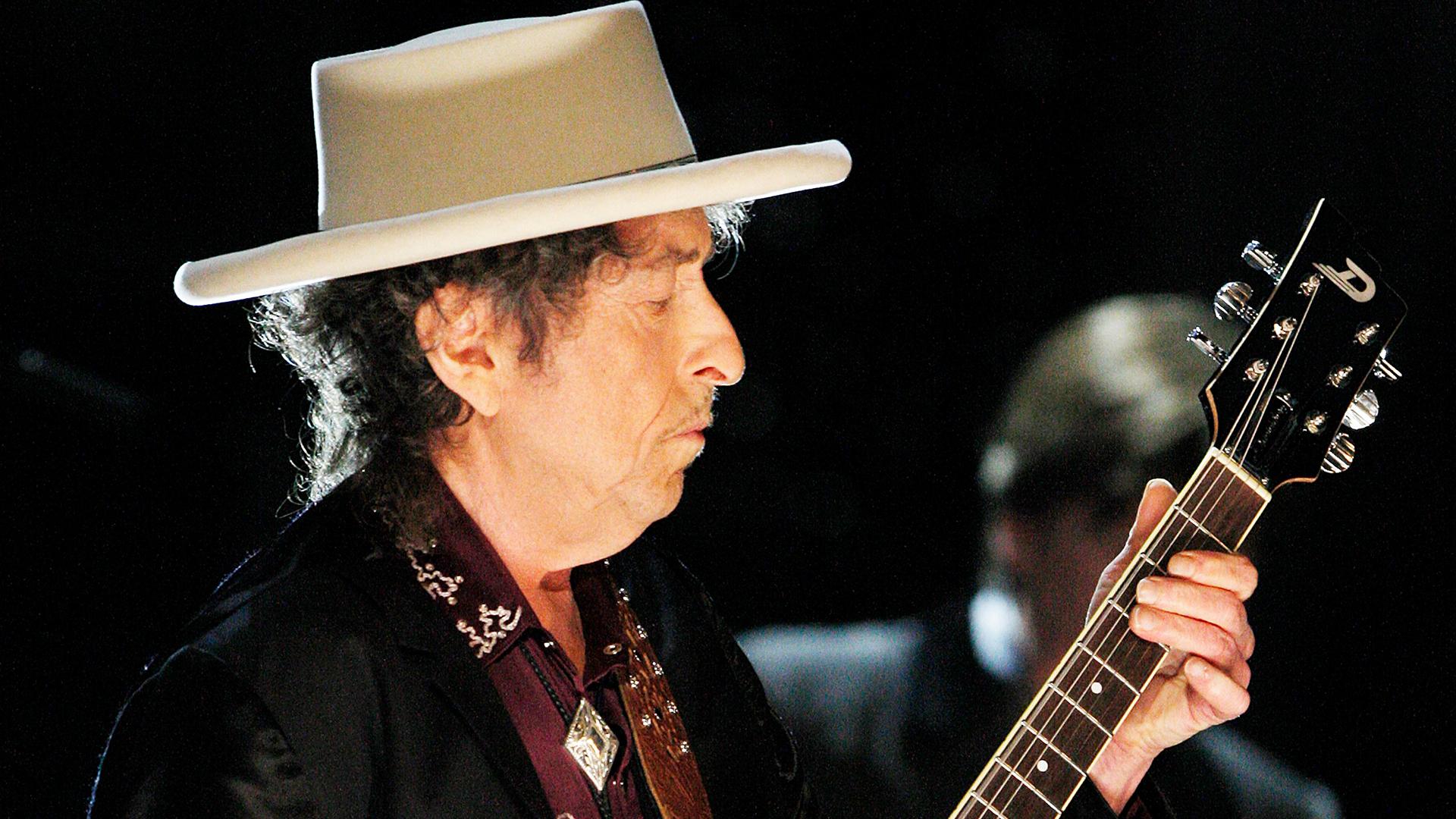 Timothee Chalamet in Talks for Bob Dylan Biopic