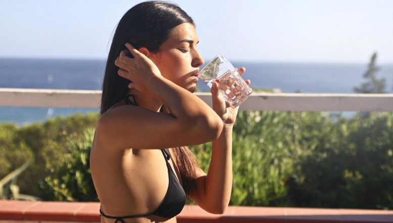 Home Remedy of the Week: How to Cure Headache Naturally With Just Water; Summer Tip for Dehydration