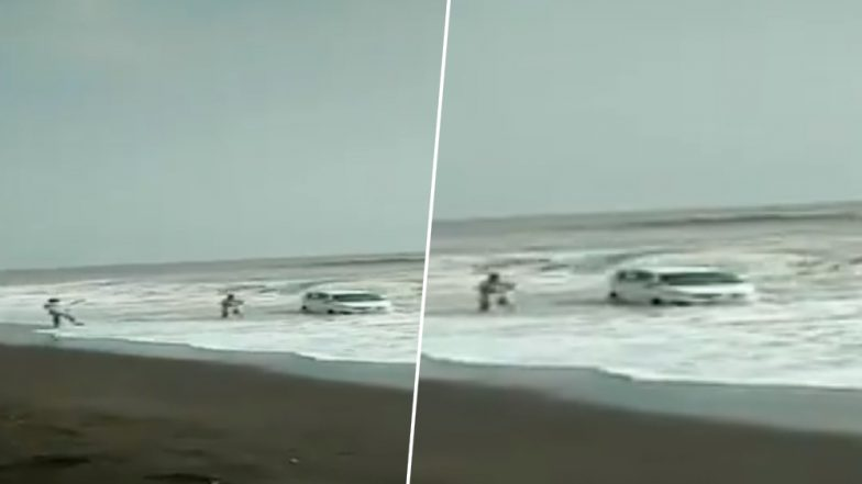 Car Lashed by Waves After Getting Stuck in Sand at Palghar Beach, Narrow Escape for Driver; Watch Video