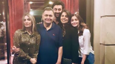 Alia Bhatt Poses for a Perfect Family Picture With Ranbir, Rishi and Neetu Kapoor in New York and Fans Ask 'When is the Wedding?'
