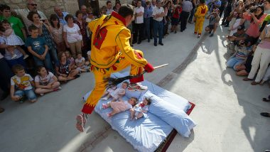 Baby Jumping Festival 'El Colacho' Takes Place in Spain, Men Dressed as Devils Jump Over Newborn Babies (Watch Video)
