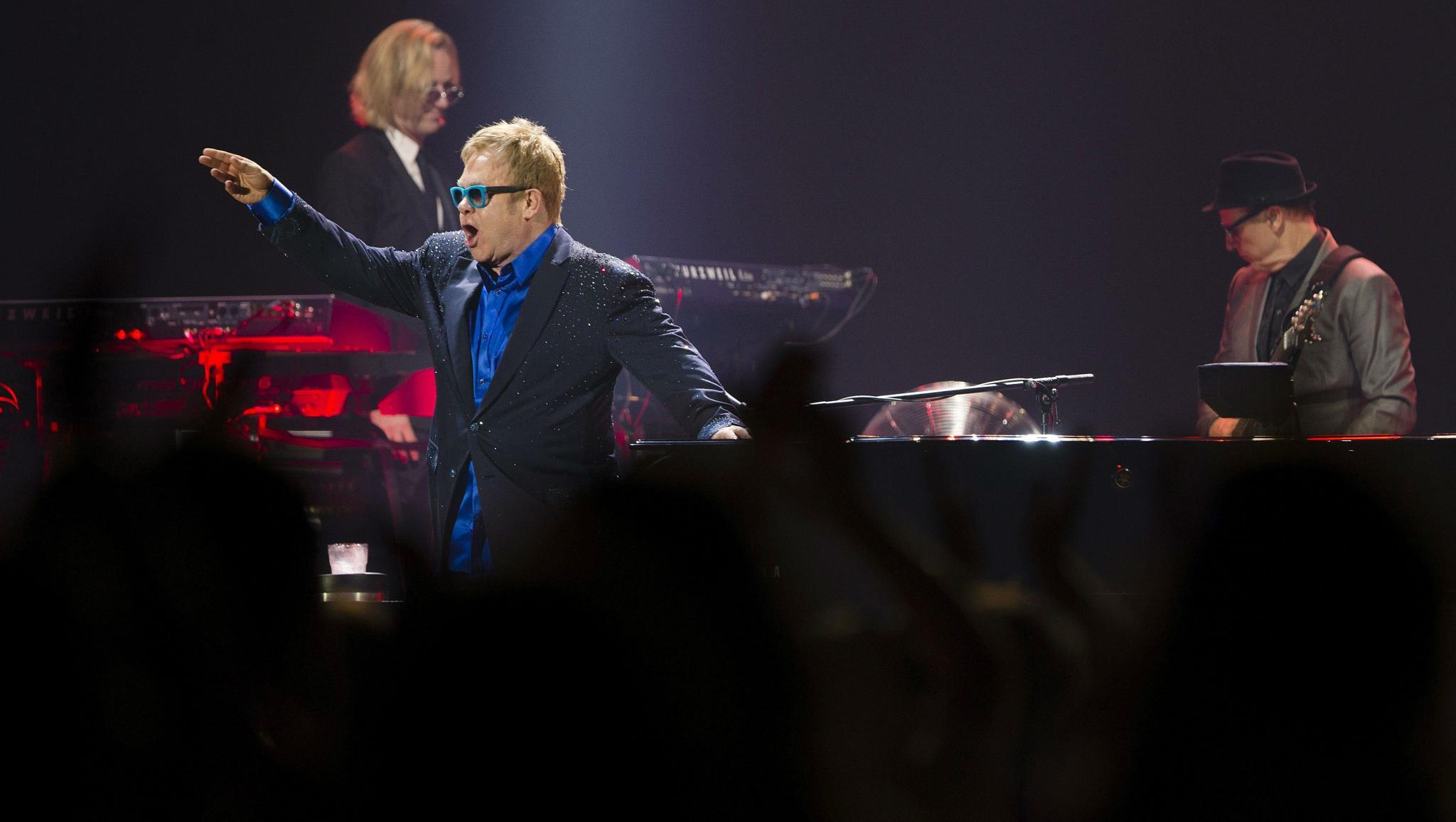 Elton John Calls Michael Jackson 'Mentally Ill' in Upcoming Memoir
