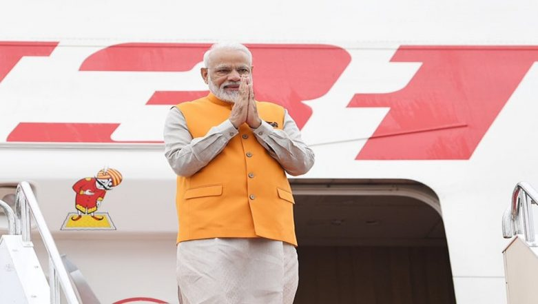 G20 Summit 2019 in Japan: PM Narendra Modi Welcomed by Indian Diaspora in Osaka, to Hold Meetings With Donald Trump, Shinzo Abe on Day 1