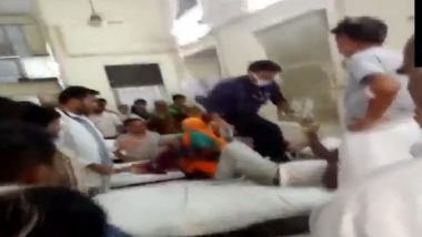 Rajasthan Shocker: Doctor Thrashes Patient at Sawai Man Singh Medical College; Watch Video