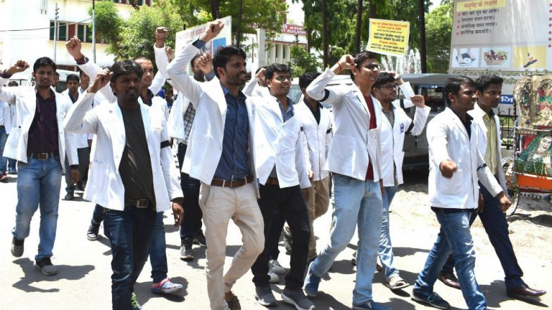 West Bengal Doctors' Strike Enters Fifth Day, Junior Docs Remain Adamant on Apology From Mamata Banerjee