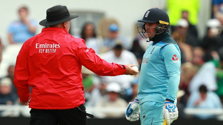 PAK vs ENG, ICC Cricket World Cup 2019: Umpires Stopped England, Pakistan Players From Forcefully Roughing Up Ball