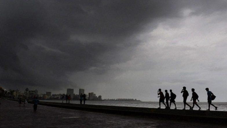Mumbai Rains: Cyclone Vayu to Affect Megacity Slightly, Moderate Rainfall Expected Tomorrow
