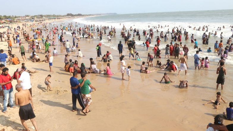 Monsoon 2019: Goa Beaches Ban Swimming and Water Sports Activity in Sea Till End of September