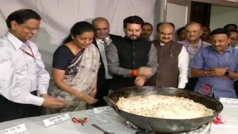 Union Budget 2019: 'Halwa Ceremony' Held at Finance Ministry Ahead of Printing Budget Documents