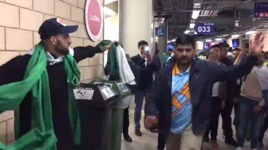 India and Pakistan Cricket Fans Dance Together After PAK's Win Over New Zealand in ICC World Cup 2019 Match (Watch Video)
