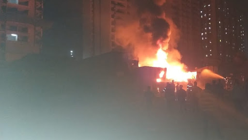 Mumbai: Fire Breaks Out at Shop in Akbar Ali Compound of Jogeshwari, Emergency Services Pressed Into Action