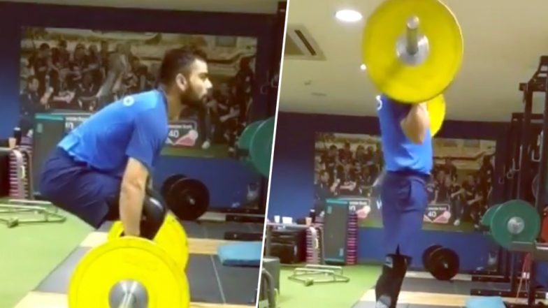 Virat Kohli Does Power Clean Exercise Ahead of India vs Pakistan CWC 2019 Match (Watch Workout Video)