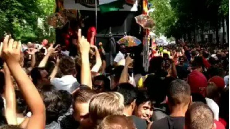 Video of Foreigners Dancing on 'Lollypop Lagelu' Going Viral is NOT From London! Watch Original Footage From Berlin