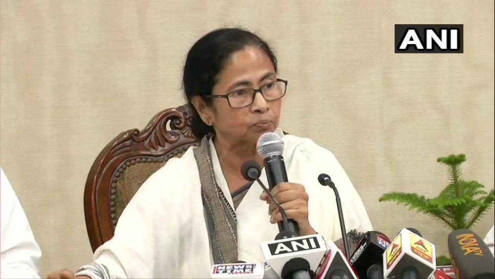 Dengue Outbreak in Kolkata: Mamata Banerjee Blames Opposition For Doing Politics Over the Disease