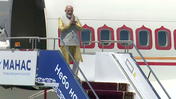 SCO Summit 2019: PM Narendra Modi Arrives in Bishkek, Hold Bilateral Meetings With Chinese President Xi Jinping and Russia's Vladimir Putin