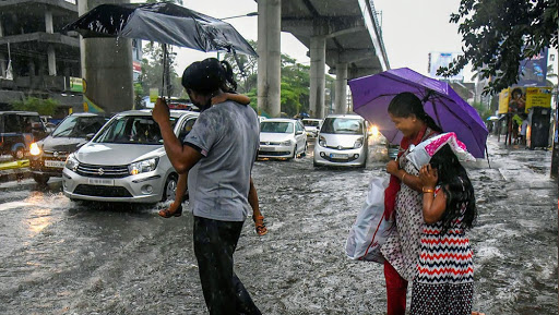 Weather Forecast For June 11, 2019: Delhi To Reel Under Severe Heat With Temperature 46 Degrees, Heavy Rains Likely in Gujarat Due to Cyclone Vayu
