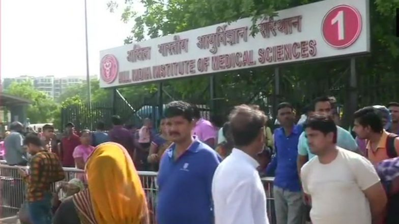 Doctors' Strike: Patients Suffer As Nationwide Agitation Cripples Medical Services Across India; Health Minister Harsh Vardhan Steps In