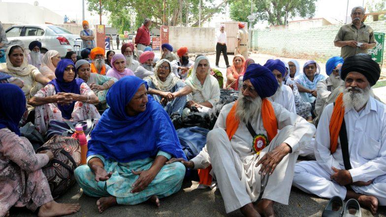 Pakistan-Bound Sikh Pilgrims Stranded at Attari Railway Station As Indian Government Denies Permission to Cross International Border