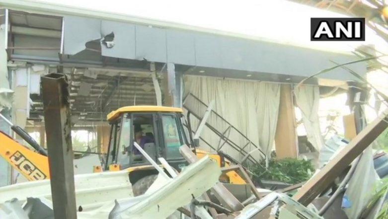 Andhra Pradesh: After Jagan Reddy's Order, Demolition of Rs 8 Crore 'Praja Vedika' Building Built by Chandrababu Naidu Begins
