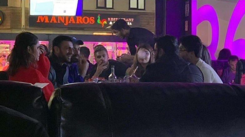 IND Vs PAK ICC CWC 2019: Angry Fans Lash Out At Sania Mirza, Shoaib Malik And Other Pakistani Cricketers For Evening At Hookah Bar Before Match (Watch Video)