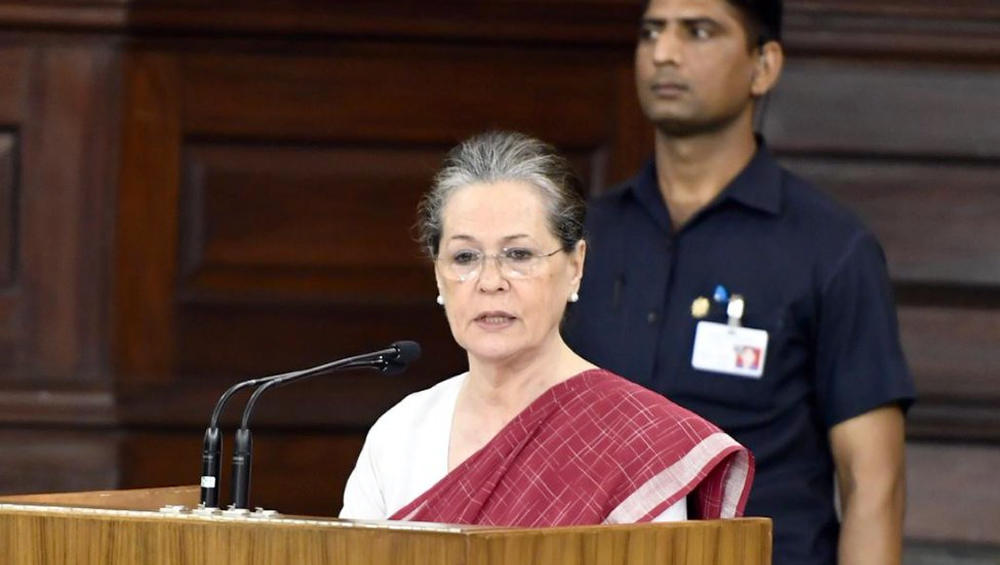 Sonia Gandhi Asks Congress CMs to Pay Rs 6,000 NFSA Maternity Benefit