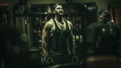 Panipat Star Arjun Kapoor Opens Up About His Struggle With Obesity; Posts Chiselled Work Out Pictures – See Pic