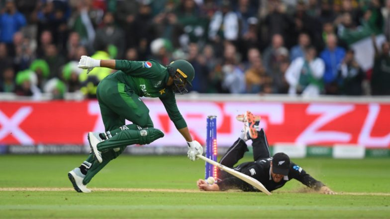 Post Haris Sohail Run Out, Zing Bails Debate Surfaces Once Again in Cricket World Cup 2019; Fans Question Poor Umpiring (Watch Video)