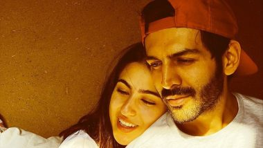 Sara Ali Khan and Kartik Aaryan's Lucknow Date Has Fans Thronging the Venue, Watch How the Pati Patni Aur Woh Actor Turns a Protective Boyfriend Keeping the Crowd at Bay