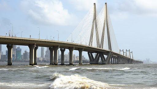 Mumbai Man Jumps Off Bandra-Worli Sea Link Bridge, Rescue Operation Underway