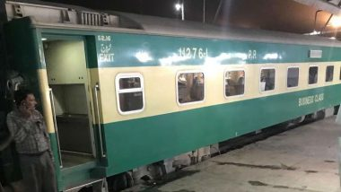 Pakistan Train Accident: 30 Killed, 50 Others Injured After Two Passenger Trains Collide in Sindh Province