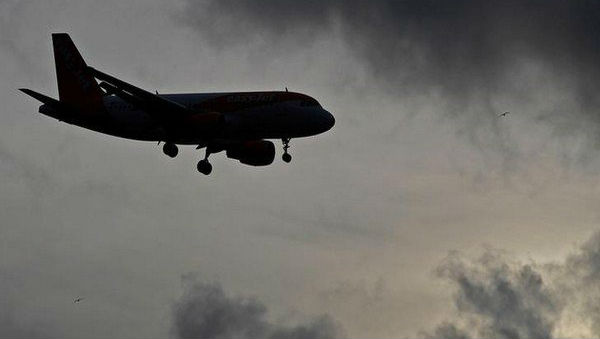 Cabin Crew, Three Pilots Suspended By DGCA for Violating Safety Norms