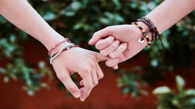 Friendship Day 2019 Worst Gift Ideas: From Coffee Mug to Showpiece, Here's a List of Items That You Should NEVER Give to Your Friends to Prove Your Dosti