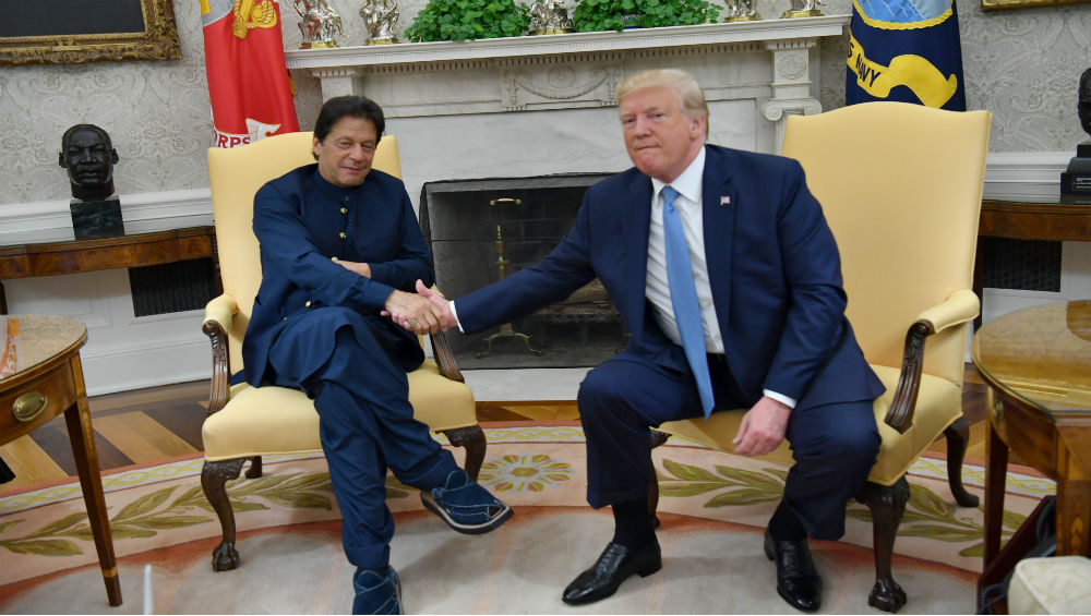 Donald Trump Again Offers to 'Help' Resolve Kashmir Issue, Meets Pakistan PM Imran Imran Khan in Davos