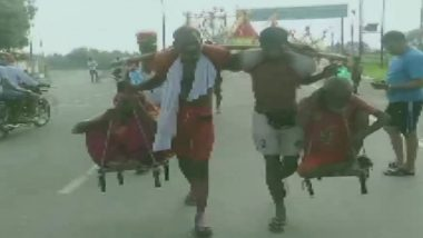Kanwar Yatra 2019: Four Brothers Carrying Parents on Their Shoulders Reach Shamli After Covering 130 Km
