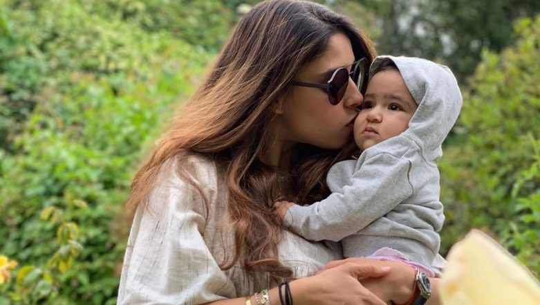 Rohit Sharma Shares Lovable Photo of Wife Ritika Sajdeh Kissing Daughter Samaira, Calls Them His Two Pies, See Pic