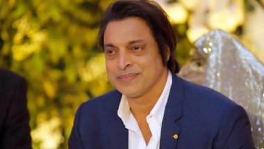 Shoaib Akhtar Can't Get Enough of His Second Son, Posts a Super Adorable Picture With the Toddler (See Pic)