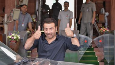 Sunny Deol, Karisma Kapoor Acquitted in 22-Year-Old Chain Pulling Case by Jaipur Court