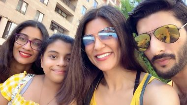 Sushmita Sen and Rohman Shawl's Family Selfie with Daughters Will Make You Say They're the Fantastic Four!