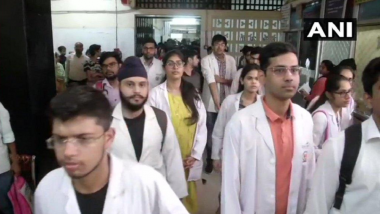 Delhi: Resident Doctors Go on Strike After Assault on Their Colleague