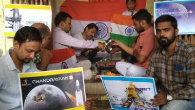 Ahead of Chandrayaan-2 Launch, People in Kanpur Offer Prayers for Mission's Success