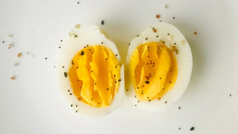 Is Egg Worse Than Cigarettes? Vegan Whips Up Twitter Debate about the Health Risks of Eating Eggs