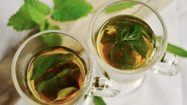 Home Remedy of the Week: Beat Viral Fever with Coriander (Dhania), Turmeric, Tulsi and Ginger Tea This Monsoon