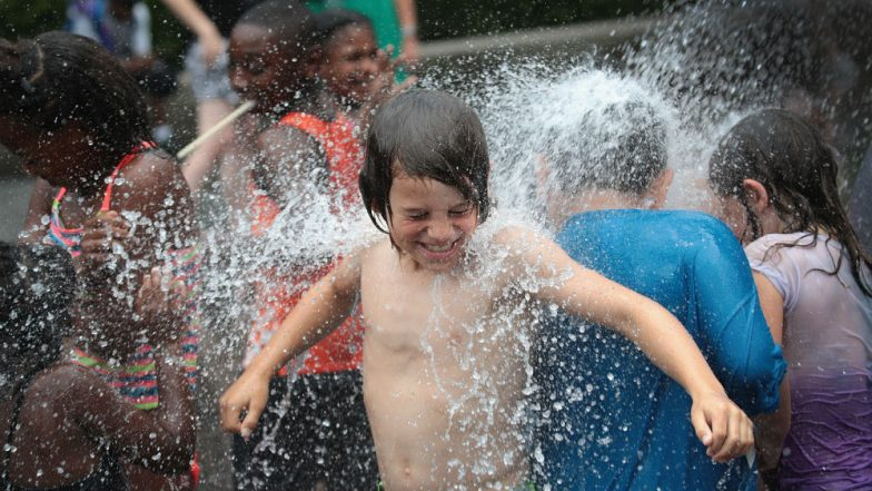 US Sizzles as Weekend Heat Wave Tightens Grip, 150 Million People Struggling to Stay Cool